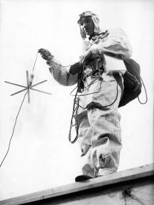 copy-of-1934-radio-parachute-1a
