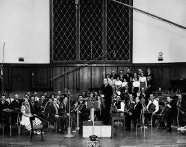 Omroepensembles, valhelmplicht en consumeren rond 1970